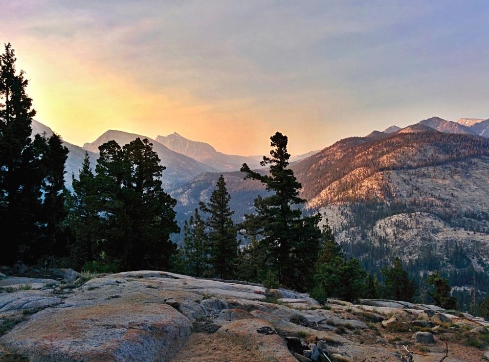 Svítání v severní Kalifornii